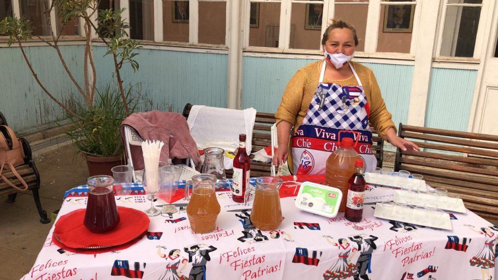 Abigail Irribarra de _Cocinería donde el Matemático_, venta de pipeño y terremotos, de Rancagua